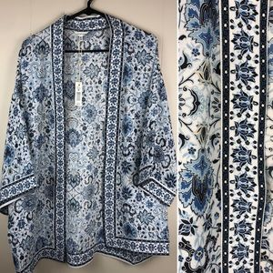 Mac studio kimono style cover up blue with flowers